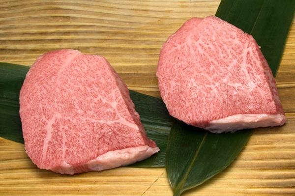 松阪牛のトモサンステーキ